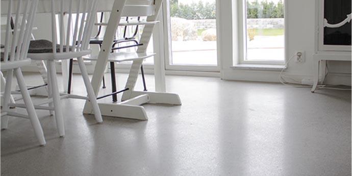 floor-silver